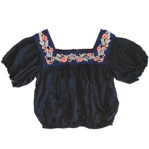 American Eagle embroidered peasant blouse